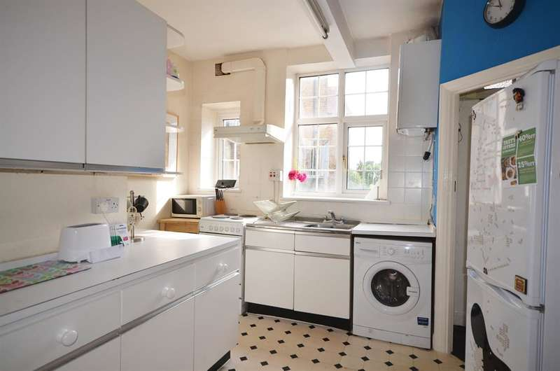 1 Bedroom Flat for sale in Devon Mansions, Kenton, Harrow, Woodcock Hill, , HA3 0XR