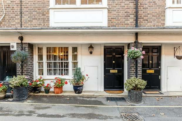 3 Bedrooms Town House for sale in Bryanston Mews West, London