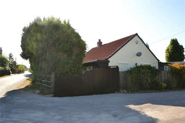 3 Bedrooms Detached Bungalow for sale in East End Road, Bradwell-on-Sea, Southminster, Essex