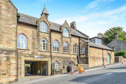 2 Bedrooms Flat for sale in Samuels Court, Lancaster, Lancashire, Lancaster, LA1