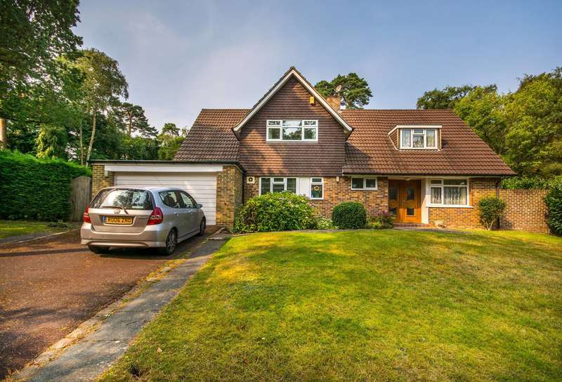 4 Bedrooms Detached House for sale in Sprucedale Gardens, Croydon, CR0