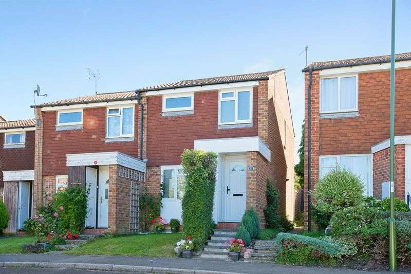 3 Bedrooms Terraced House for sale in Ryecroft, Haywards Heath