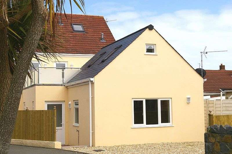 1 Bedroom Semi Detached House for sale in Route Carre, St Sampsons