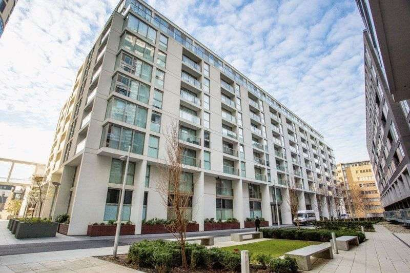 2 Bedrooms Flat for sale in Spacious Two Bed, London