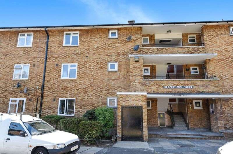 2 Bedrooms Flat for sale in Leigham Court Road, Streatham SW16