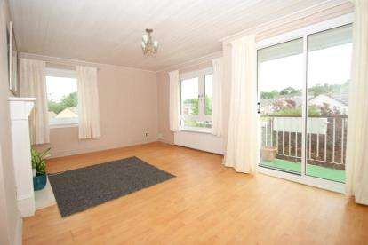 2 Bedrooms Flat for sale in Elphinstone Crescent, East Kilbride