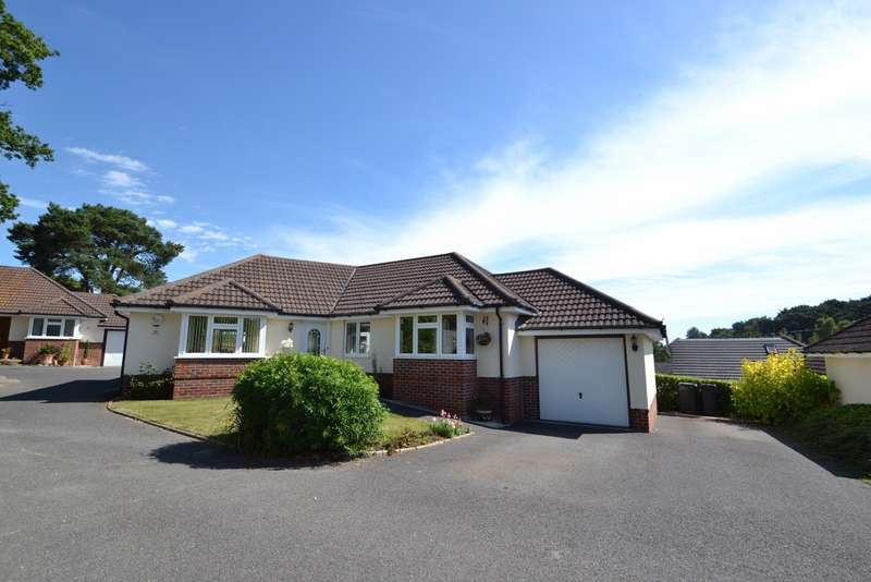 3 Bedrooms Bungalow for sale in Corfe Mullen