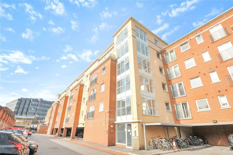 3 Bedrooms Apartment Flat for sale in Riverbank Point, High Street, Uxbridge, Middlesex, UB8