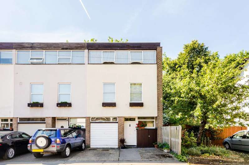 3 Bedrooms End Of Terrace House for sale in St Pauls Square, Bromley, BR2