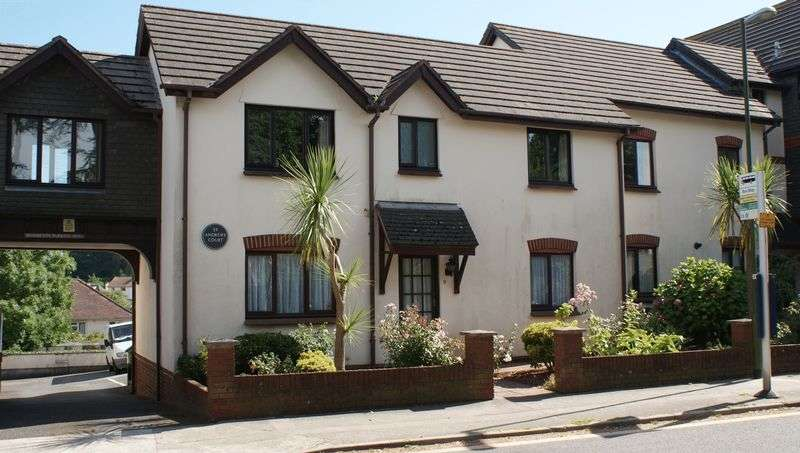 2 Bedrooms Flat for sale in ST ANDREWS COURT