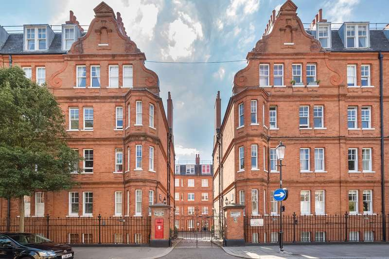 2 Bedrooms Flat for sale in Elm Park Mansions, Park Walk, London, SW10