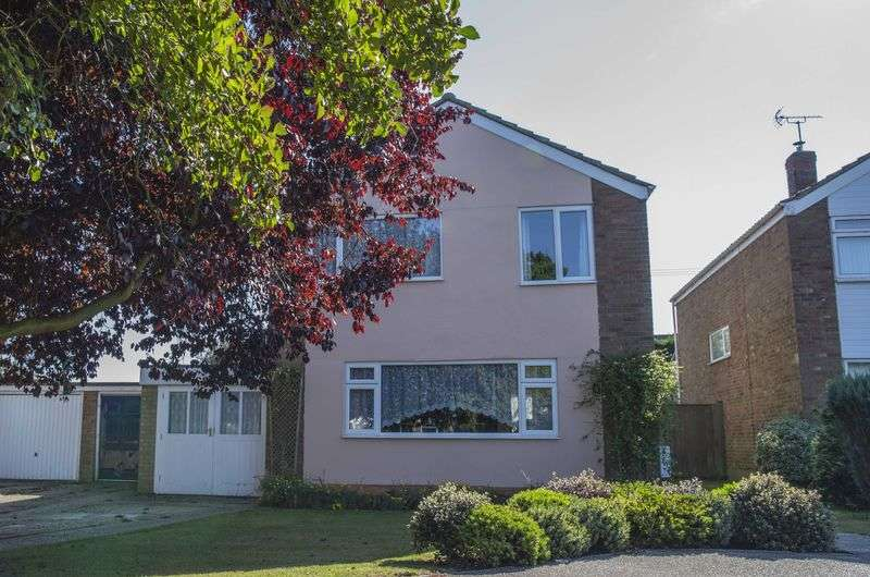 4 Bedrooms Detached House for sale in Mouse Lane, Rougham