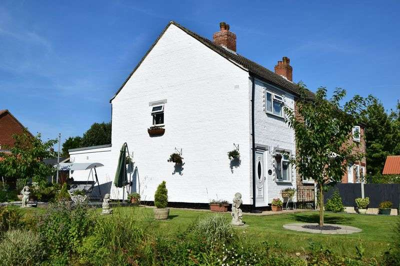 2 Bedrooms House for sale in Stocks Hill, Ludford