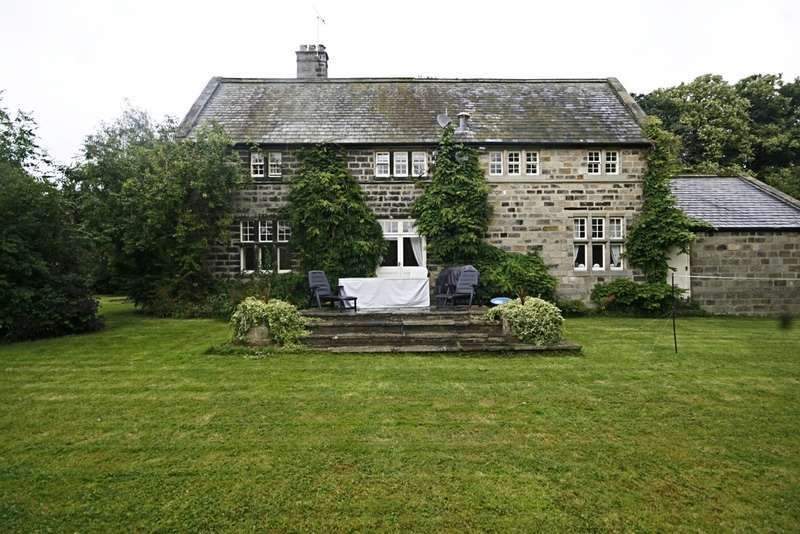 5 Bedrooms Detached House for sale in Otley Road, Killinghall, Harrogate, North Yorkshire, HG3