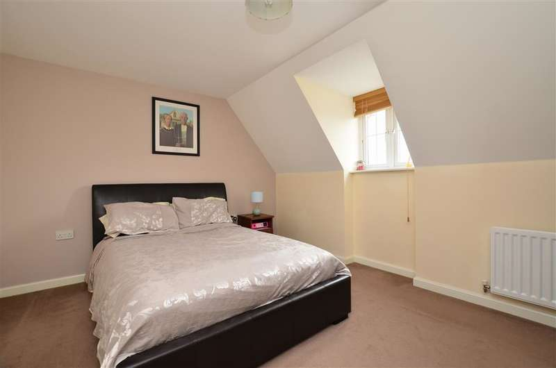 5 Bedrooms Detached House for sale in Trunley Way, Folkestone, Kent