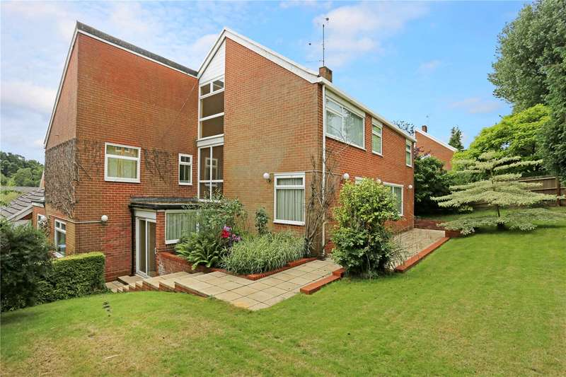 6 Bedrooms Detached House for sale in Fairford Close, Haywards Heath, West Sussex, RH16