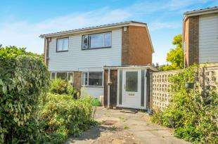 4 Bedrooms Detached House for sale in Hayes Lane, Bromley, .