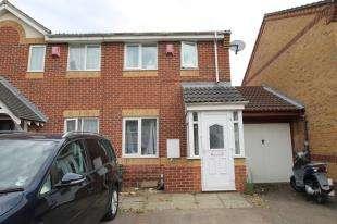 2 Bedrooms House for sale in Kelvin Gardens, Croydon