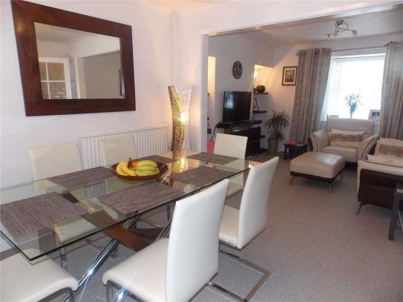2 Bedrooms Terraced House for sale in East Terrace, Hayle