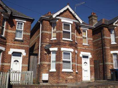 3 Bedrooms Detached House for sale in Poole
