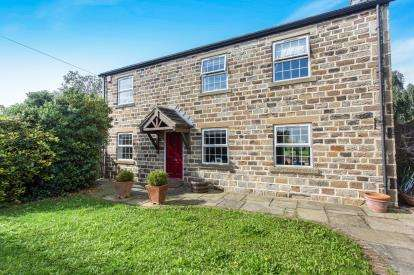 4 Bedrooms Detached House for sale in Warmfield Lane, Warmfield, Wakefield, West Yorkshire