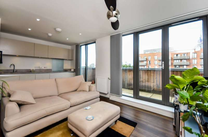 1 Bedroom Flat for sale in Hastings Road, Canning Town, E16