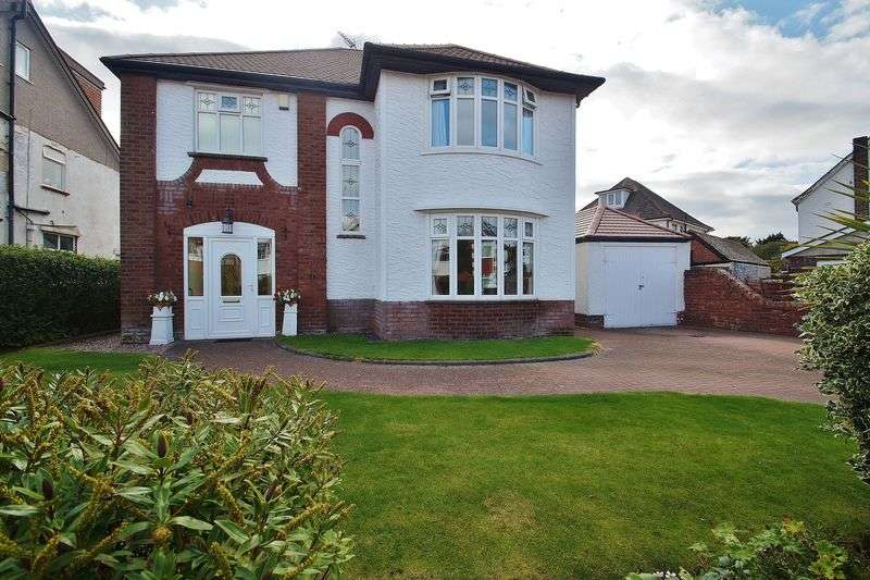 4 Bedrooms Detached House for sale in Dunbar Road, Southport