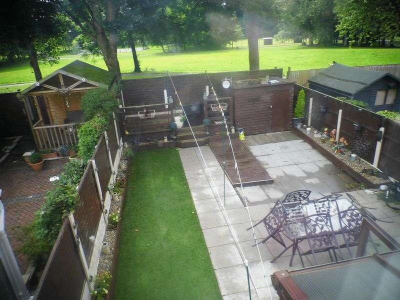 3 Bedrooms Semi Detached House for sale in Central Drive, WESTHOUGHTON