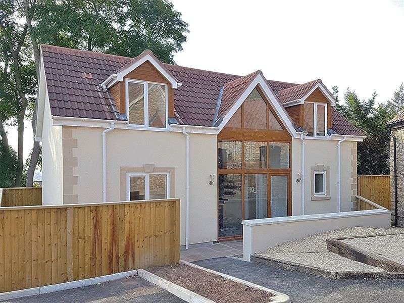 3 Bedrooms Detached House for sale in MILTON HILLSIDE