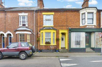 3 Bedrooms Terraced House for sale in Church Street, Wolverton, Milton Keynes, Buckinghamshire