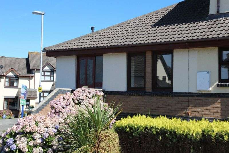 2 Bedrooms Semi Detached Bungalow for sale in Meadowside, Newquay