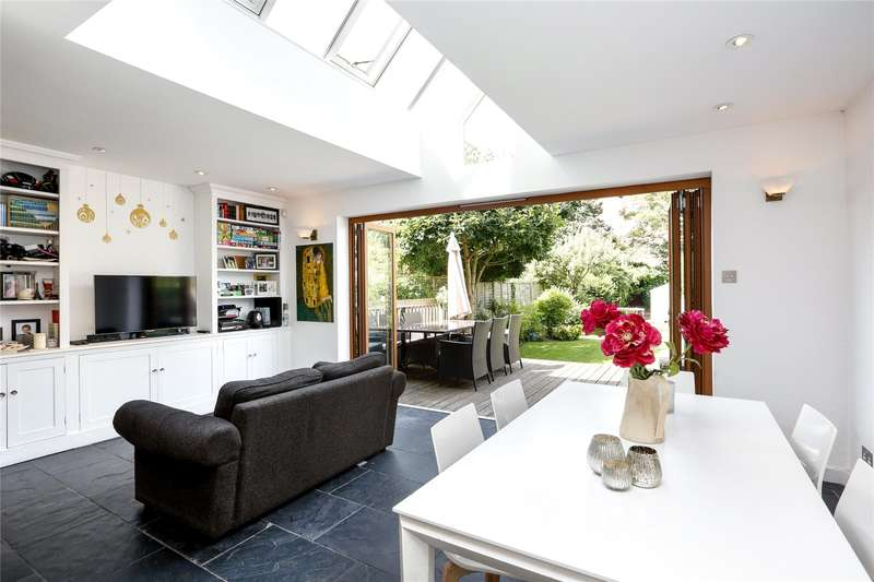 5 Bedrooms Semi Detached House for sale in Deanhill Road, East Sheen, SW14