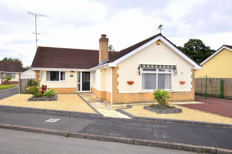 3 Bedrooms Detached Bungalow for sale in Lions Wood, St Leonards, Ringwood, BH24 2LU
