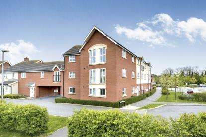 3 Bedrooms Flat for sale in Empress Matilda Gardens, Old Wolverton, Milton Keynes, Buckinghamshire