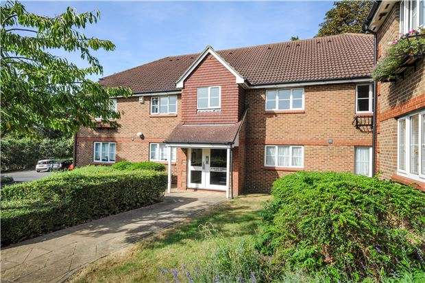 2 Bedrooms Flat for sale in Evelyn Way, WALLINGTON, Surrey, SM6 8ED