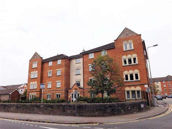 2 Bedrooms Apartment Flat for sale in Clos Dewi Sant, Cardiff