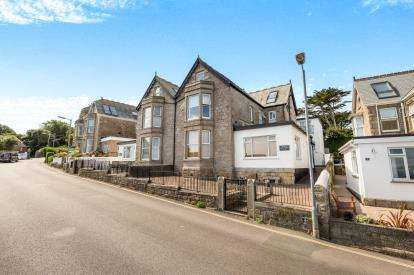 2 Bedrooms Flat for sale in Talland Road, St. Ives, Cornwall