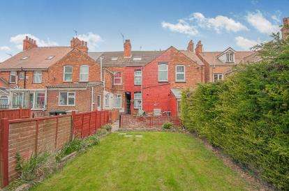 3 Bedrooms Terraced House for sale in Cavendish Road, Skegness, Lincolnshire, England
