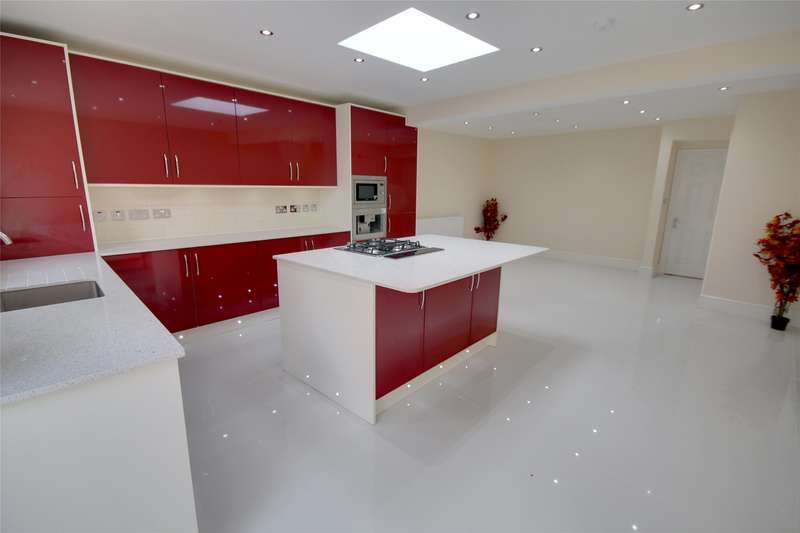 3 Bedrooms Terraced House for sale in Willowbrook Road, Stanwell, Surrey, TW19
