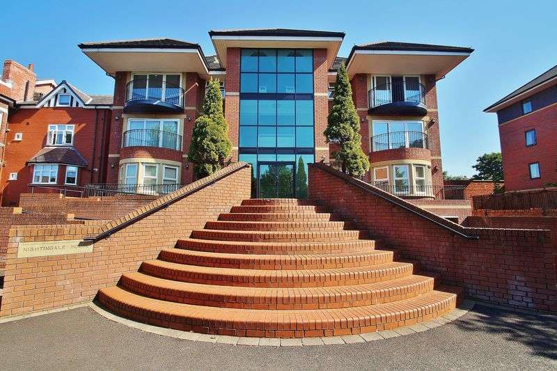 3 Bedrooms Flat for sale in Nightingale House ,Cambridge Road, Southport