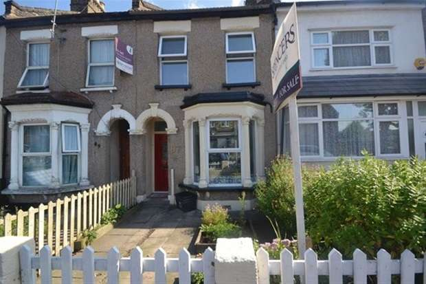 3 Bedrooms Terraced House for sale in Cann Hall Road, London