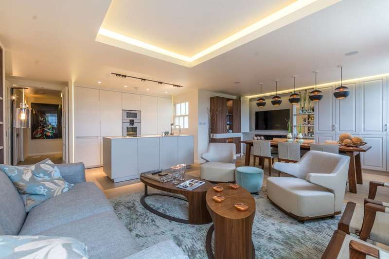 2 Bedrooms Flat for sale in Hyde Park Gardens, Hyde Park Estate, W2