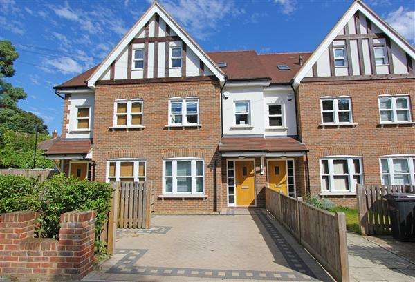 4 Bedrooms Terraced House for sale in St Augustines Avenue, South Croydon