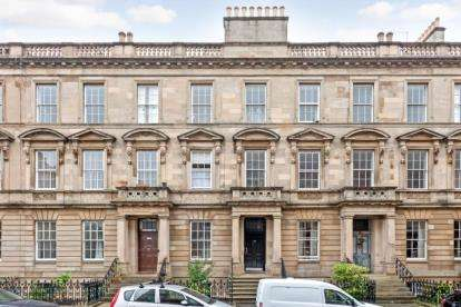 2 Bedrooms Flat for sale in Hill Street, Garnethill, Glasgow