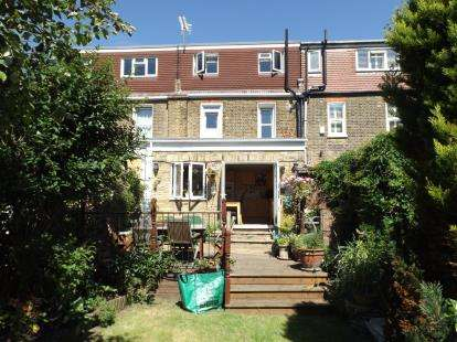 5 Bedrooms Terraced House for sale in London, Wanstead, London
