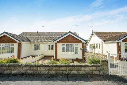 2 Bedrooms Bungalow for sale in Victoria Road West, Prestatyn, Denbighshire, ., LL19