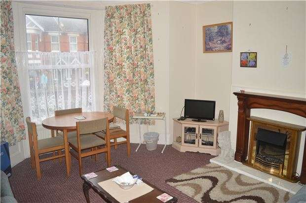 2 Bedrooms Flat for sale in GF, Ashburnham Road, HASTINGS,TN35 5LL