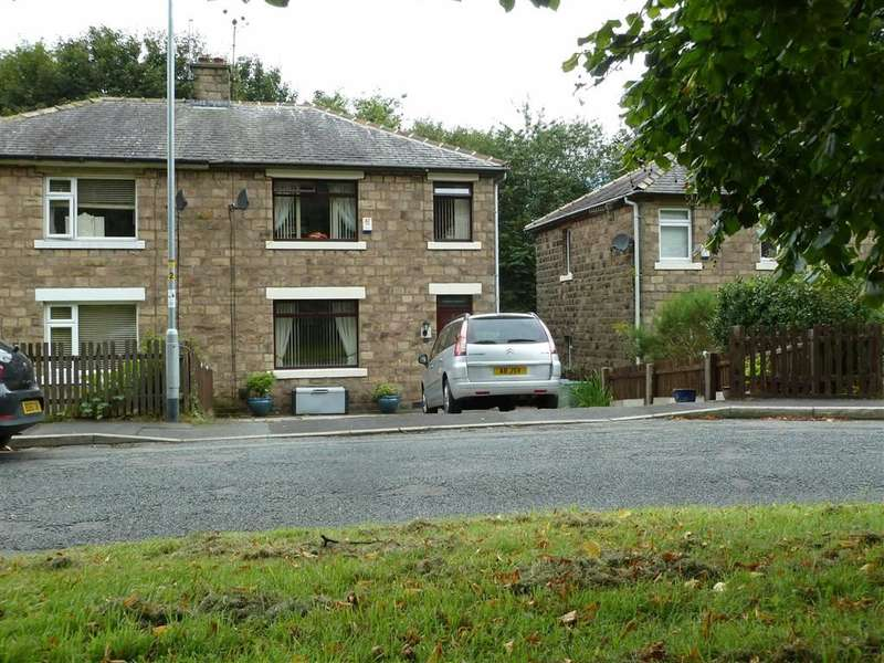 3 Bedrooms Property for sale in Brook Avenue, Uppermill, SADDLEWORTH, OL3
