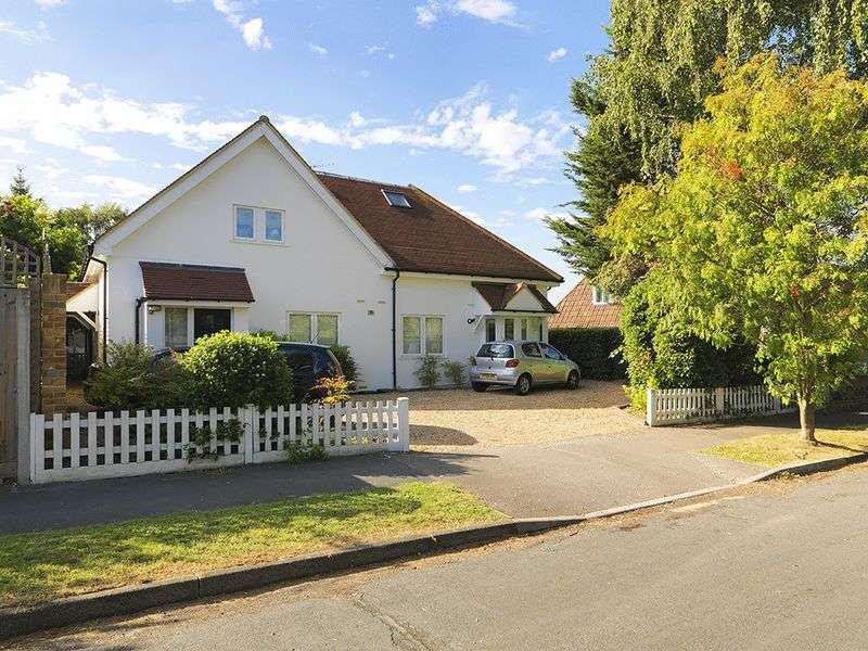 1 Bedroom Flat for sale in Thistledene, Thames Ditton, KT7