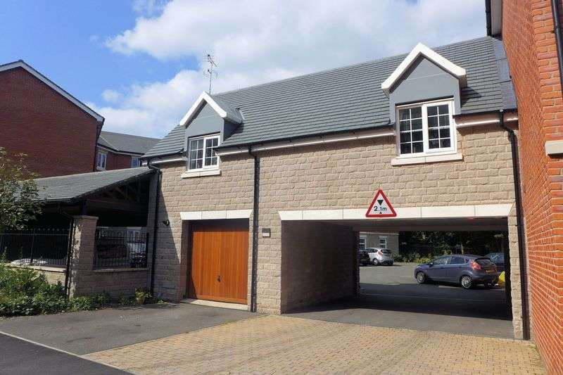 2 Bedrooms Semi Detached House for sale in Temple Road, Smithills, Bolton